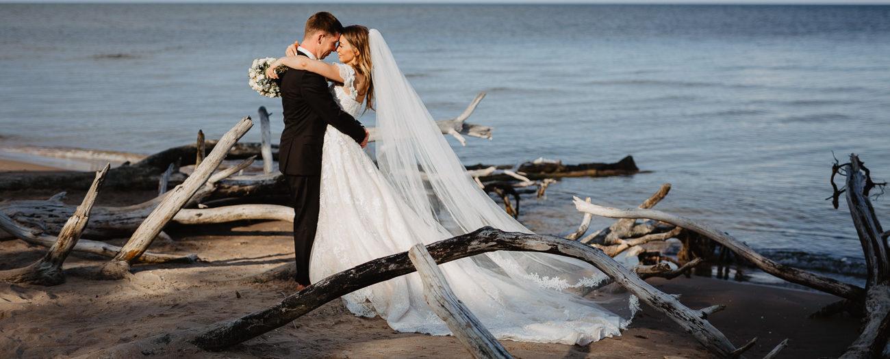Ilze+Rolands // Sirsnīgas lauku kāzas Kaltenē